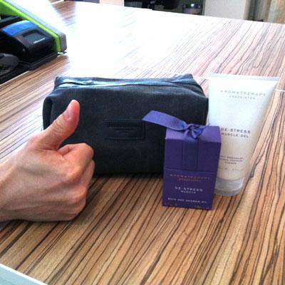 Aromatherapy Associates De-stress wash bag
